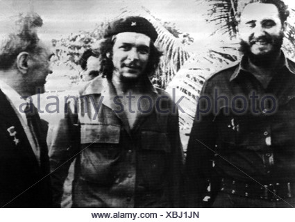 Guevara Serna, Ernesto 'Che', 14.5.1928 - 9.10.1967, Argentinian revolutionary, with Fidel Castro, Anastas Mikojkan, Soviet embassy, Havanna, Cuba, 5.2.1960,