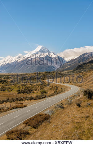 Curvy road to Mount Cook, Mount Cook National Park, Southern Alps, Canterbury Region, Southland, New Zealand - Stock Photo