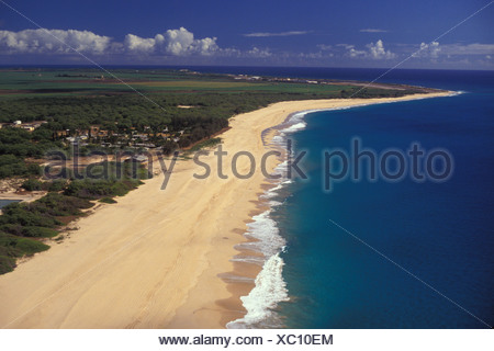 Polihale Beach, Hawaii's longest beach, extends from Polihale State Park, end of the road on west Kauai. Near Barking Sands, - Stock Photo