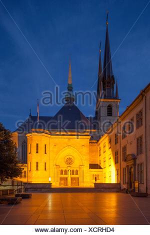 Kathedrale unserer lieben Frau bei Abenddämmerung, Luxemburg-Stadt, Luxemburg, - Stock Photo