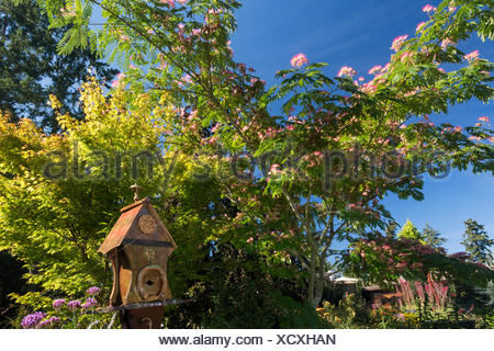 Located 12 kms north of downtown Victoria, the Horticultural Centre of the Pacific welcomes visitors to it's public gardens, cared for by volunteers, staff and students.  Victoria, Vancouver Island, British Columbia - Stock Photo