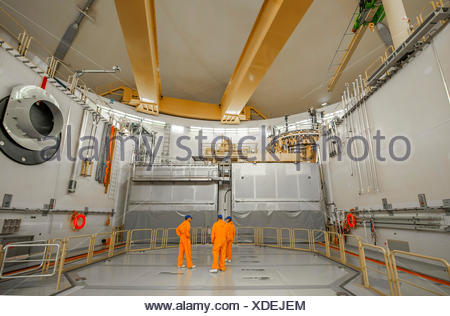 Engineers under the reactor dome at the Emsland nuclear power plant of the RWE Power AG, Lingen, Lower Saxony, Germany - Stock Photo
