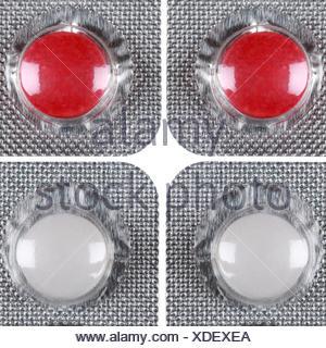 Weisse und rote Pillen - Stock Photo