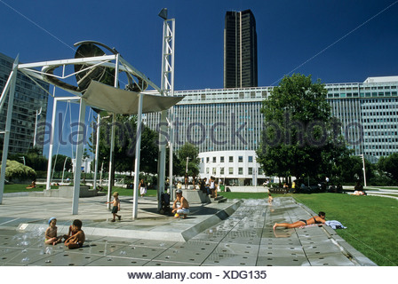 jardin suspendu construit au dessus de la gare Montparnasse,hanging garden built above Montparnasse railway station,Paris,Ile - Stock Photo