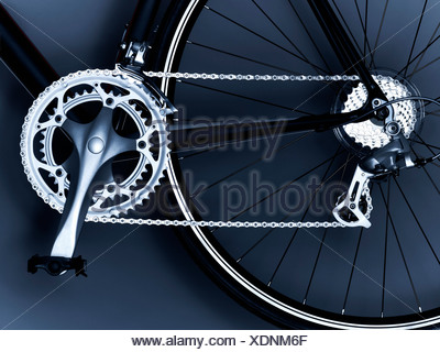 bicycle,bicycle chain,bicycle gear,bicycle wheel,black and white,chain,close up,cog,detail,horizontal,link,metal,no - Stock Photo