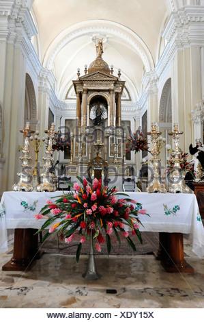 Altar area, Catedral de la Asuncion, 1860, Leon, Nicaragua, Central America - Stock Photo