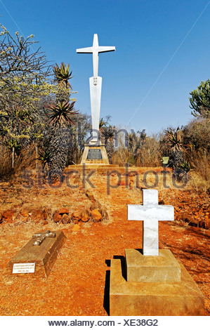 Memorial and graves on Mount Alice, general hill in the Boer War, Kwazulu-Natal, South Africa, Africa