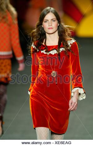 Brunette Model Missy Rayder Wearing A Burnt Orange