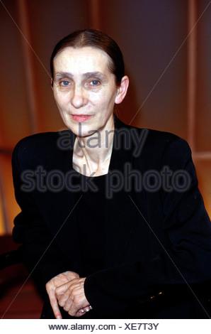 Bausch, Pina, (Philippine), 27.7.1940 - 30.6.2009, German dancer, choreographer, half length, 1998, , Additional-Rights-Clearances-NA - Stock Photo