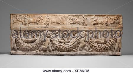 Marble sarcophagus with garlands and the myth of Theseus and Ariadne. Period: Hadrianic or early Antonine; Date: ca. A.D. 130-150; Culture: Roman; - Stock Photo