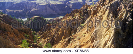 erosion on banks of the Fraser River, Churn Creek Provincial Park, British Columbia, Canada. - Stock Photo