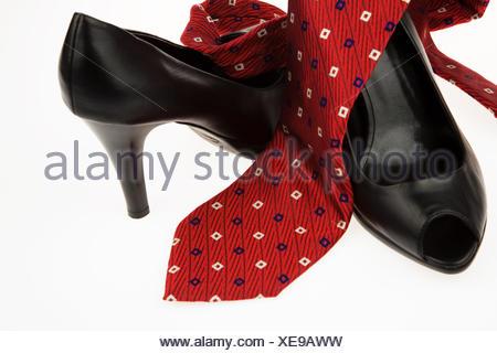 High heels und Krawatte