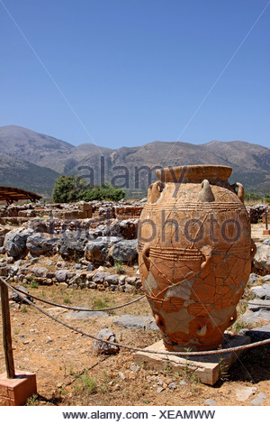 Clay jugs and jars, Malia Palace, Minoan excavations, archaeological excavation site, Heraklion, Crete, Greece, Europe - Stock Photo