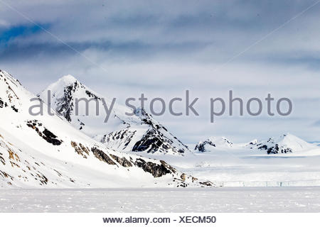 The landscape of Spitsbergen Island, near Hornsund, Svalbard, Norway. - Stock Photo