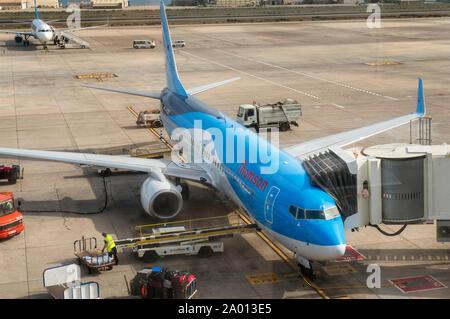 Ein Flugzeug der Fluggesellschaft Thomson auf dem Flughafen von Gran Canaria. - Stockfoto