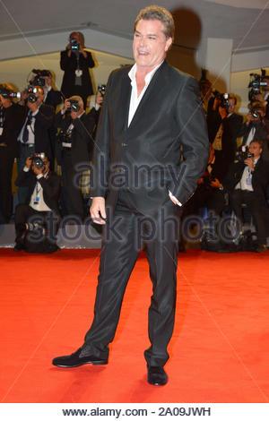 """Venedig, Italien - Ray Liotta Spaziergänge Roter Teppich für """"The Iceman"""" Premiere bei den Filmfestspielen in Venedig 2012. AKM-GSI 30. August 2012 - Stockfoto"""