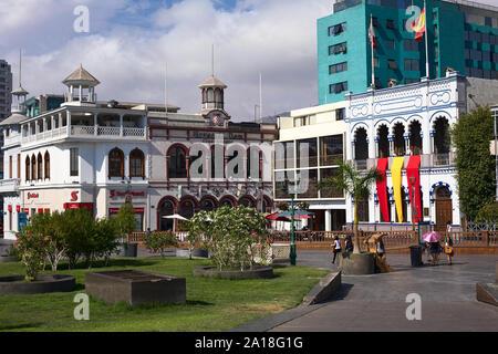 IQUIQUE, CHILE - Januar 22, 2015: Unbekannter Menschen auf der Plaza Prat Hauptplatz in Iquique, Chile - Stockfoto