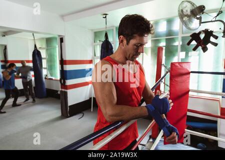 Männliche Boxer in einem Boxing Gym - Stockfoto