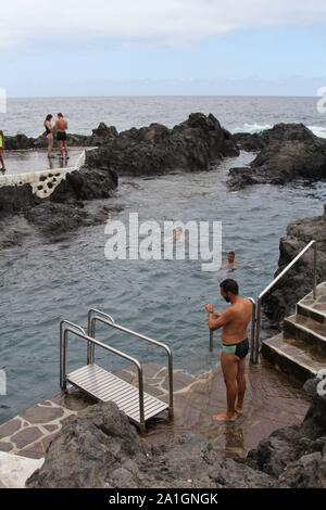 Natürlichen vulkanischen Ozean Pools, Garachico, Teneriffa, Kanarische Inseln, Spanien 2019 - Stockfoto