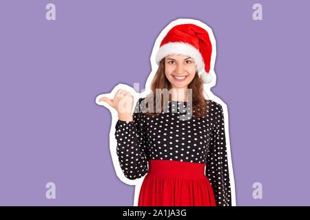 Portrait von Frau im Kleid mit Daumen links und lächelnd. Zeitschrift collage Stil mit trendigen Farbe Hintergrund. Urlaub-Konzept. - Stockfoto