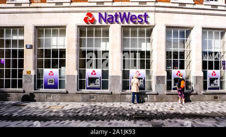 Die National Westminster Bank, bekannt als NatWest ist einer der wichtigsten britischen High Street Retail Bank Bank und Kreditinstitut - Stockfoto