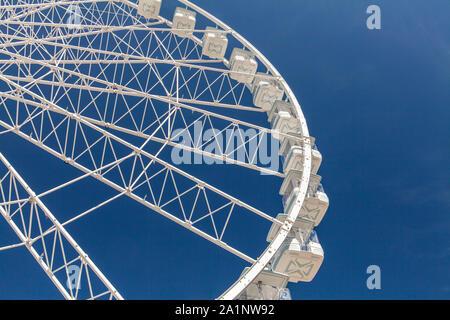 Big White Riesenrad mit Blu Sky