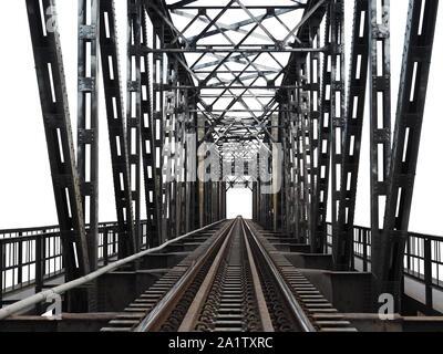 Eisenbahnbrücke mit Eisen Struktur, auf weißem Hintergrund. - Stockfoto