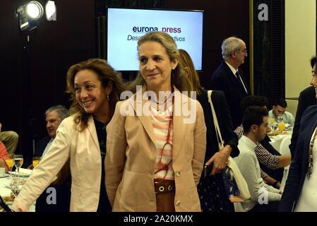 Madrid, Spanien. 30 Sep, 2019. Infanta Elena besucht die informative Breakfasts in Madrid September 30, 2019 Credit: CORDON PRESSE/Alamy leben Nachrichten - Stockfoto