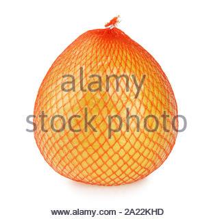 Pomelo Früchte eingewickelt in Net und Plastikfolie isoliert - Stockfoto