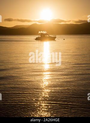 Katamaran gechartert für Urlaub in den Whitsunday Inseln, QLD, Australien - Stockfoto
