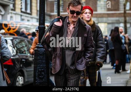 LONDON, Großbritannien - 17 Februar 2019: Tom Stubbs auf der Straße während der London Fashion Week. - Stockfoto
