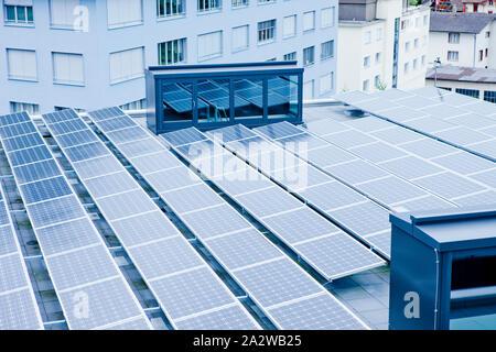 Umweltschutz - Solarenergie für eine sauberere Welt - Stockfoto