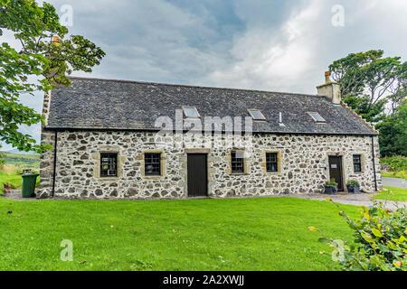 Dunvegan Castle Cottage auf der Insel Skye - Ansichten - Stockfoto