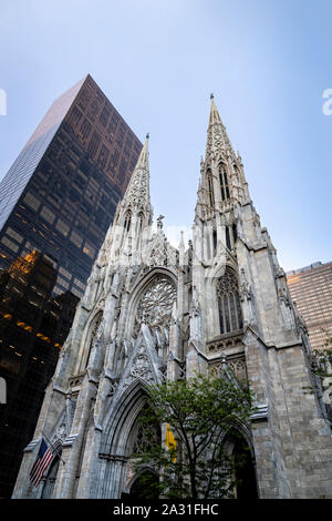 Die St. Patrick's Cathedral in New York City, USA. - Stockfoto