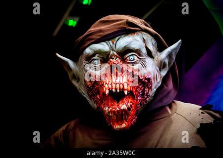 Gremlin Zombie mit Vampir Zähne - ein wirklich erschreckendes Halloween Monster - Stockfoto