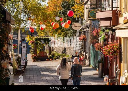 Quebec City, Kanada - 5. Oktober 2019: Petit Champlain Straße in der Altstadt von Quebec City. - Stockfoto