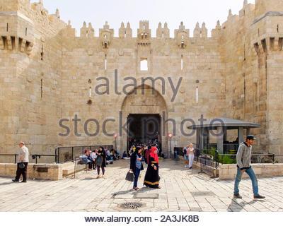 Israel, Jerusalem, Jerusalem. Damaskus Tor, Eingang in die Altstadt durch die Stadtmauer. - Stockfoto