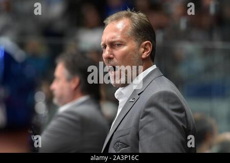 08.10.2019, xemx, Eishockey Champions Hockey League, Augsburger Panther - Bili Tygri Liberec emspor, v.l. Cheftrainer Tray Tuomie (Augsburger Panther - Stockfoto