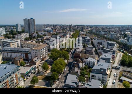"""Rennes (Bretagne, Frankreich): Luftaufnahme der Avenue"""" e-mail: Francois Mitterrand, die Ufer des Fluss Vilaine, der Bezirk von Bourg l - Stockfoto"""