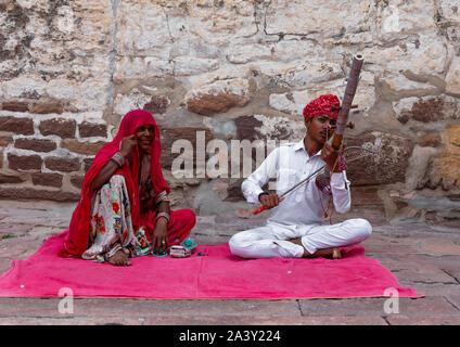 Rajasthani Musiker und Sänger in Mehrangarh Fort, Rajasthan, Jodhpur, Indien - Stockfoto