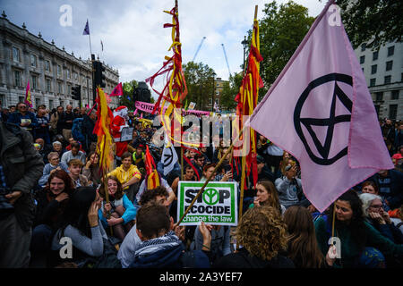 Die Demonstranten gatherin Whitehall - Stockfoto