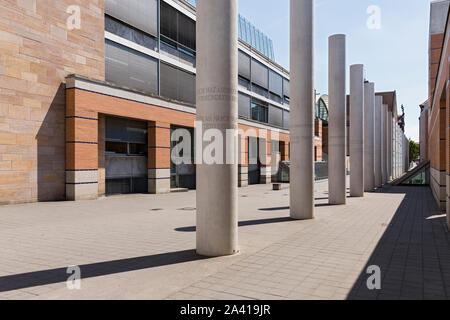 Nürnberg, Germanisches Nationalmuseum, Straße der Menschenrechtsinstitution, den Weg der Menschenrechte, Außenskulptur, Gedenkstätte, Menschenrechtsinstitution - Stockfoto