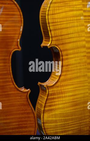 Italien, Lombardei, Cremona, Cremona, Musica Internationale Ausstellungen und Festivals 2019, Geigen stehend Detail Stockfoto