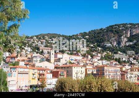 Blick über die Stadt Villefranche-sur-Mer, Frankreich, Europa - Stockfoto