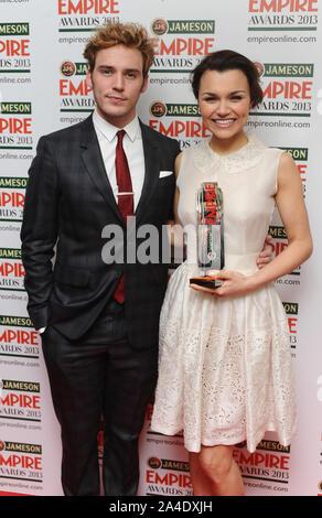 Foto muss Gutgeschrieben © Kate Grün/Alpha Presse 077037 24/03/2013 Sam Claflin und Samantha Barks die Jameson Empire Film Awards 2013 im Grosvenor Hotel in London - Stockfoto