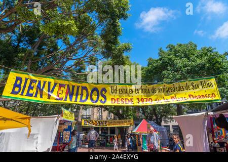 Zeichen für die Feria de San Telmo, einem Sonntag Markt in der Plaza Dorrego, San Telmo, Buenos Aires, Argentinien Willkommen - Stockfoto