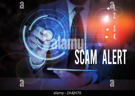 Schreiben Hinweis übersicht scam Alert. Business Konzept für unerwünschte Werbe-E-Mails, die behauptet, die Aussicht auf ein Schnäppchen Männlichen tragen Anzug Vorlage vorhanden - Stockfoto