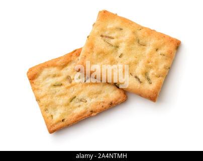 Ansicht von oben Knoblauch, Rosmarin und Meersalz Crackers isoliert auf weißem - Stockfoto
