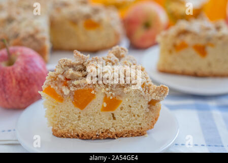 Home gemacht apple Kürbistorte - Stockfoto