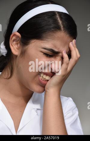Traurig Cute kolumbianischen Jugendlichen Mädchen - Stockfoto